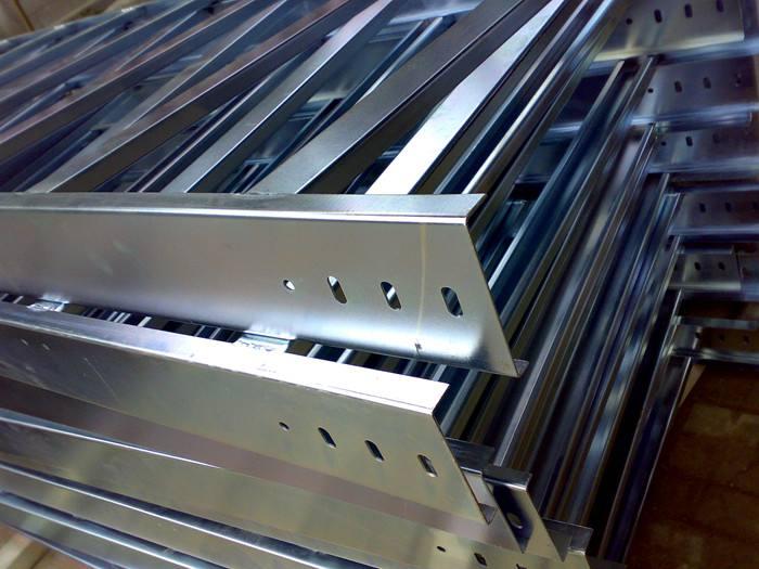 铝合金电缆桥架沃和解答槽式电缆桥架可不可以水平敷设